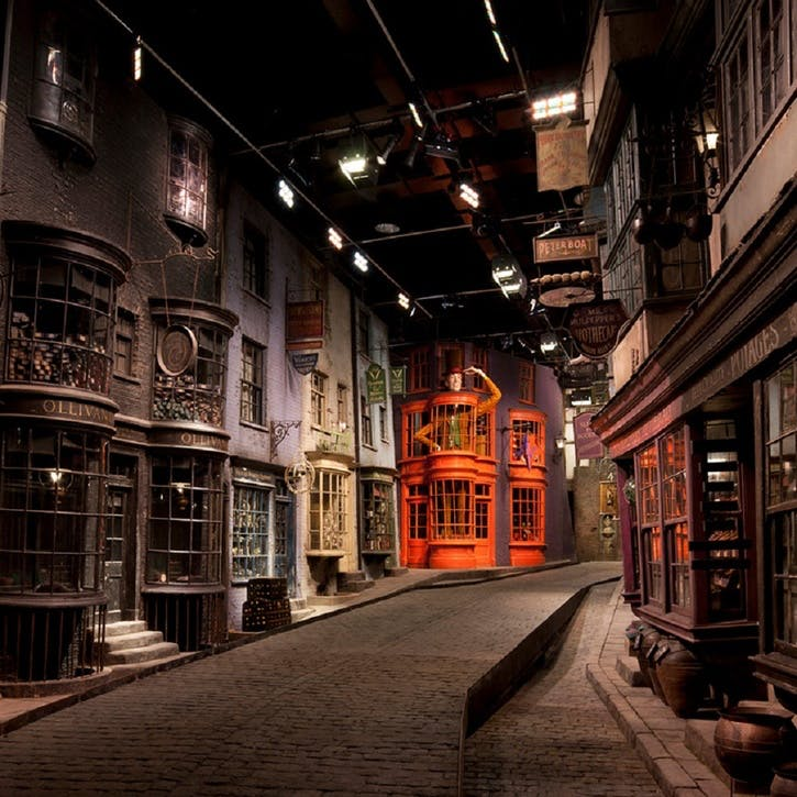 Warner Bros. Studio Tour London - The Making of Harry Potter & Lunch for Two