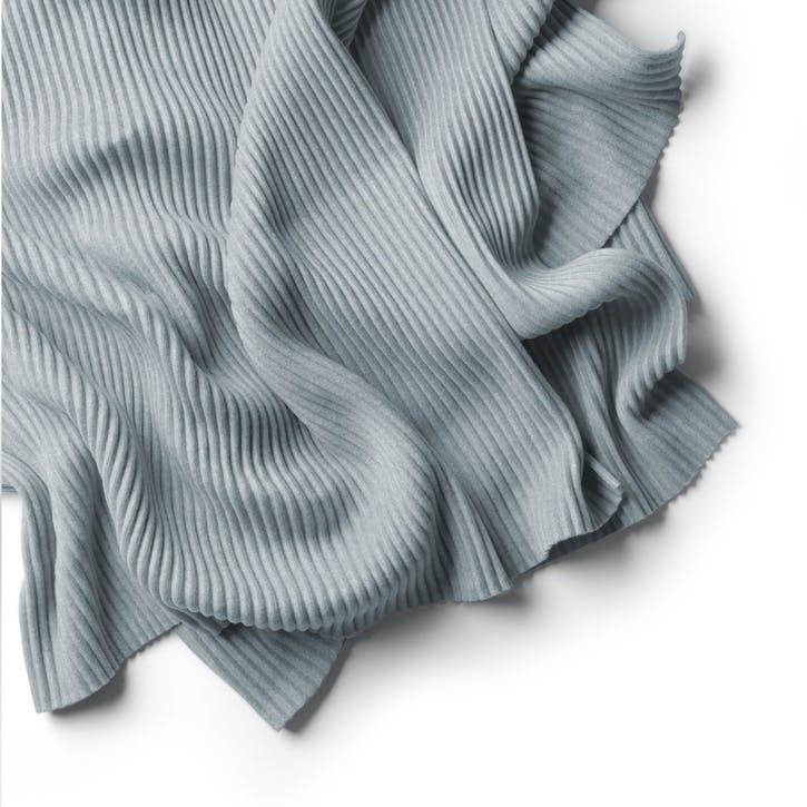 Pleece Thow, Pale Blue