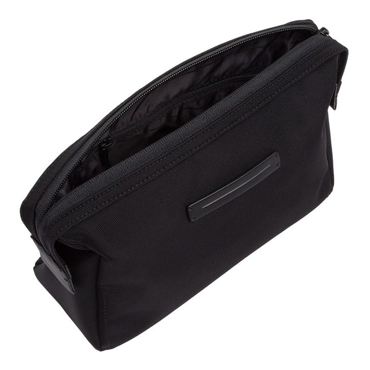 Koenji, Wash Bag, W23 X H17 X D8cm, Black
