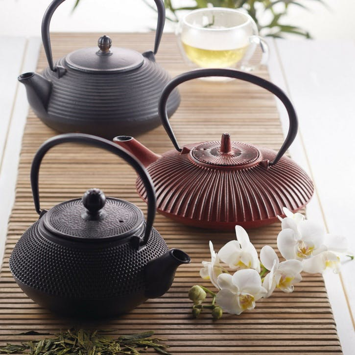 Cast Iron Infuser Teapot, 600ml; Black