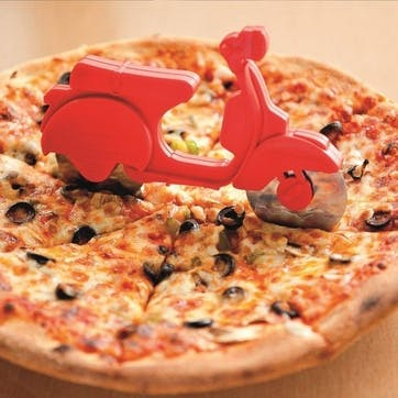 Scooter Pizza Cutter, 18 x 11cm, Red
