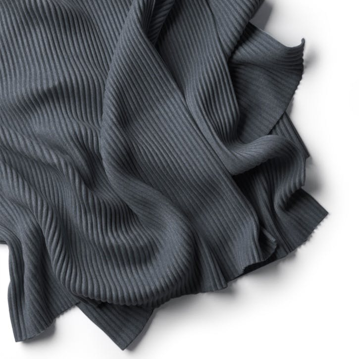 Pleece Thow, Dark Grey
