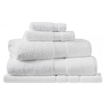 Luxury Egyptian Snow Hand Towel