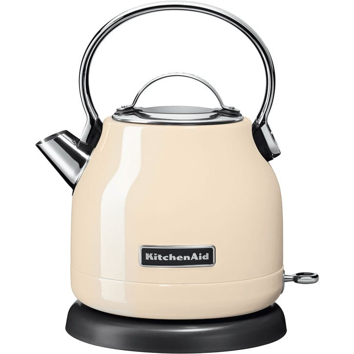 Dome Kettle; Almond Cream