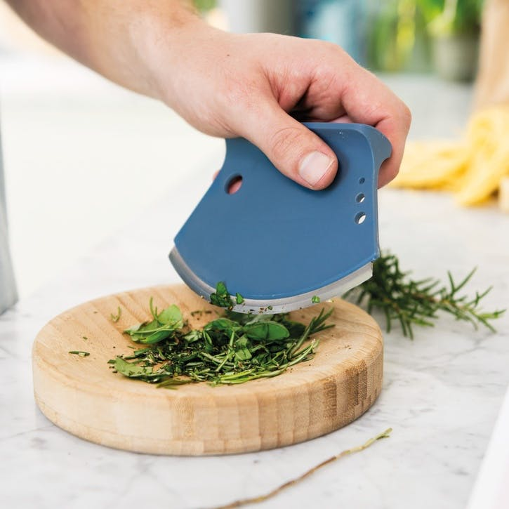 Leo, Herb Cutter With Cutting Bowl