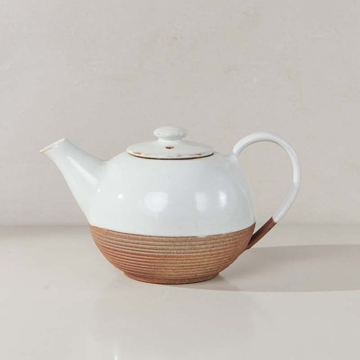 Mali Ribbed Teapot; White