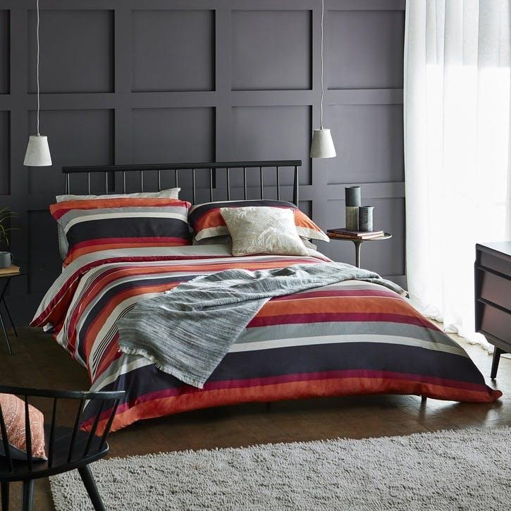 Banzai Standard Pillowcase, Magenta