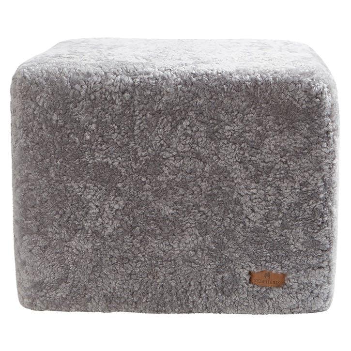 Emma Pouffe, Granite