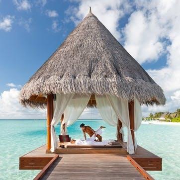 Honeymoon Massage on the Beach