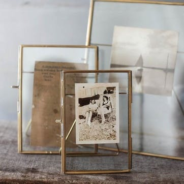 "Danta Antique Brass Frame, 8 x 10"""