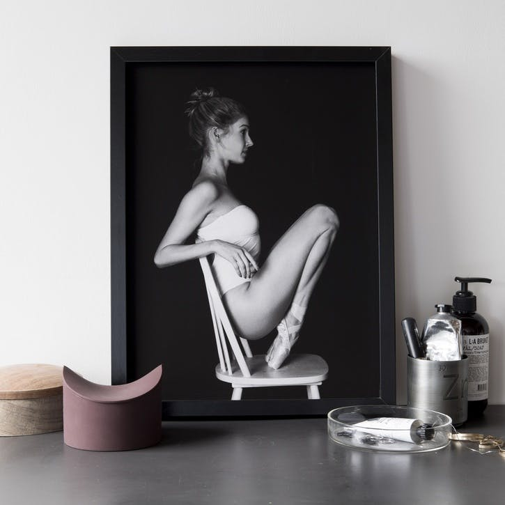Pointe Print - 30 x 40cm