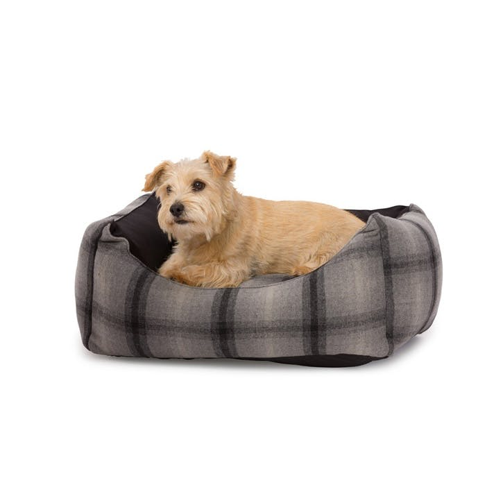 Tweed & Water Resistant Rectangle Bed - M