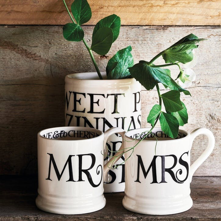 Black Toast Set of 2 Mr & Mrs Mugs, 1/2 Pint