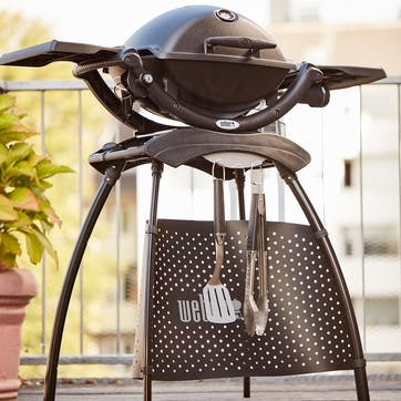 Q 1200 Gas Barbecue with Stand, Black