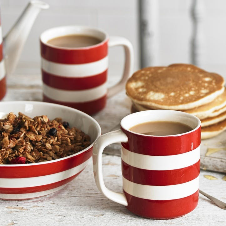 Cornish Red 16 Piece Breakfast Set