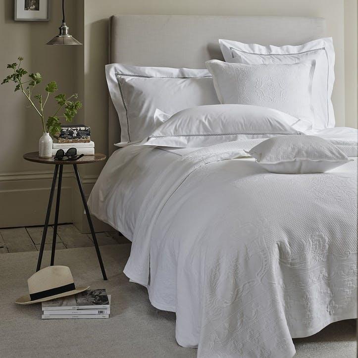 Etienne Bedspread, Superking, White