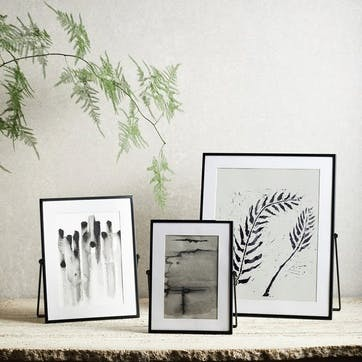 "Fine Black Easel Frame, 5 x 7"""