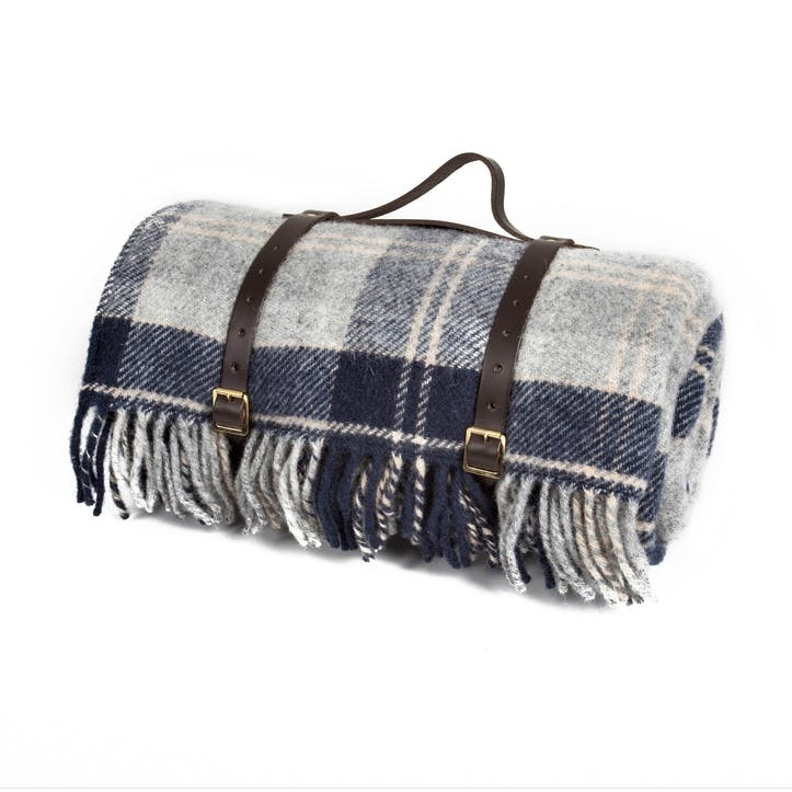 Pure New Wool Polo Throw, Navy Bannockbane