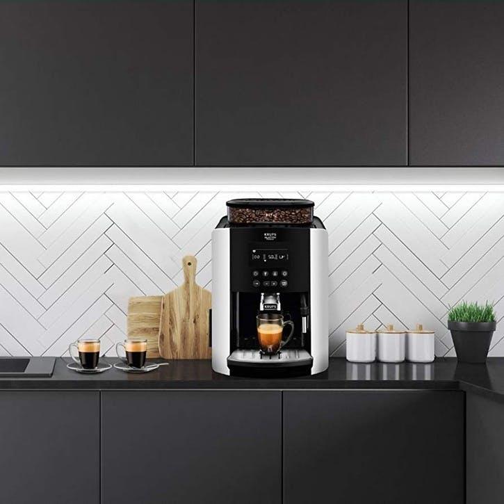 Arabica EA817840 Digital Espresso Bean To Cup Machine; Silver