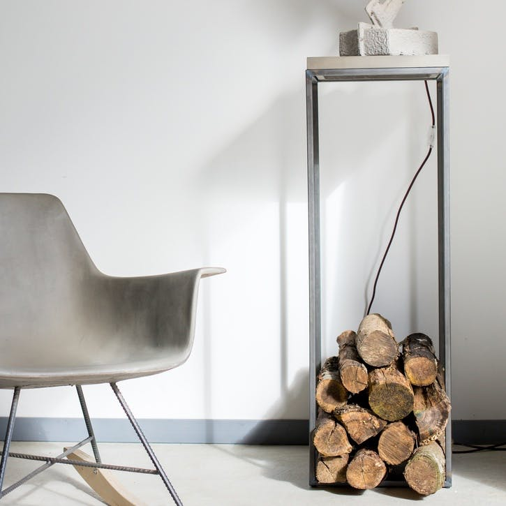 Perspective Stand Table