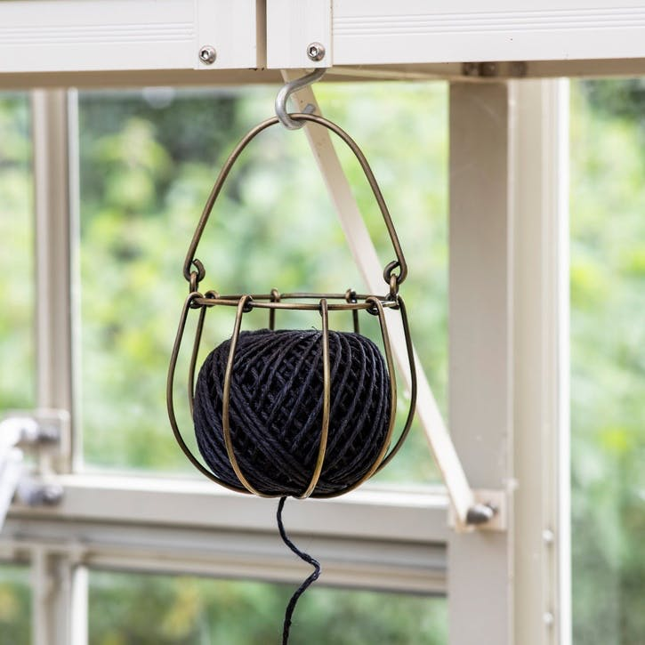 Wirework String Holder With Carbon String