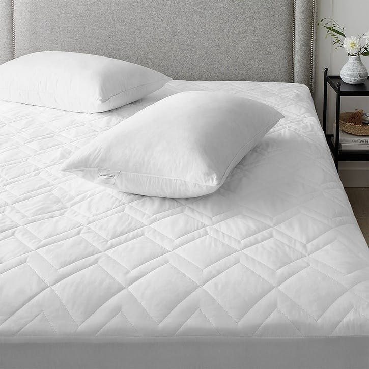 Luxury Cotton-rich Waterproof Quilted Protector, W200 x L200cm