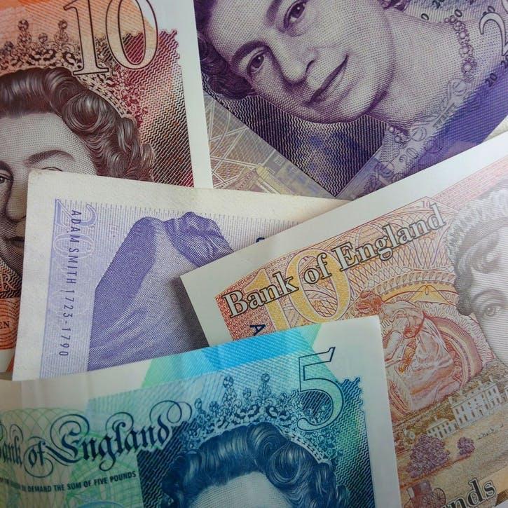 Cash Contribution £100