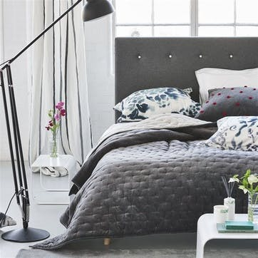 Sevanti Graphite Quilted Throw