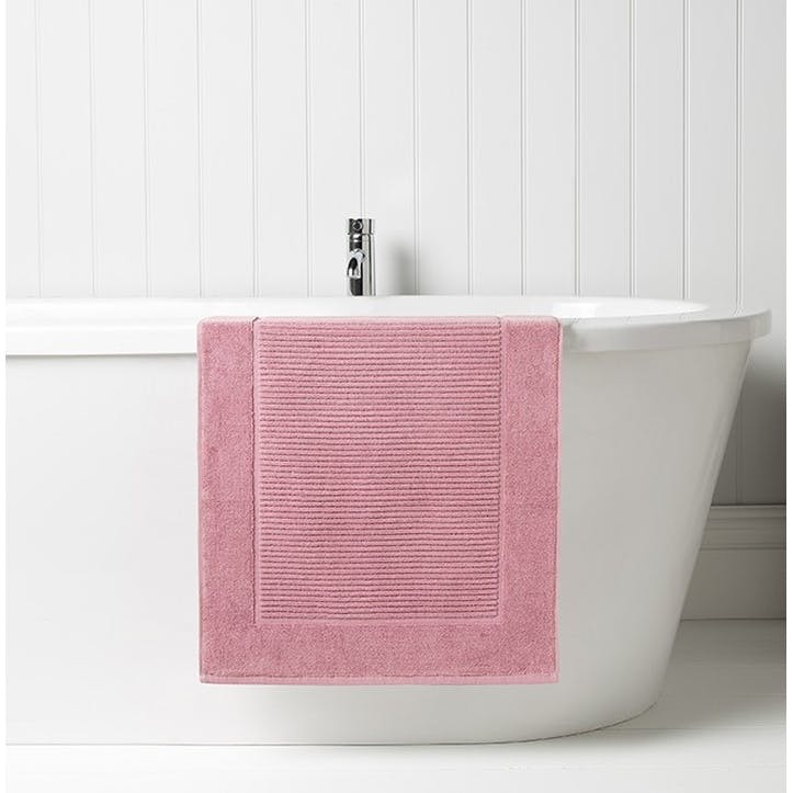 Supreme Supima Hygro Blush Bath Mat