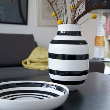Omaggio Vase, Large, Black