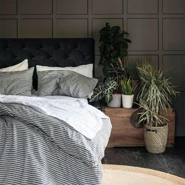 Complete Bedding Bundle Kingsize with Kingsize Pillowcases Midnight Stripe