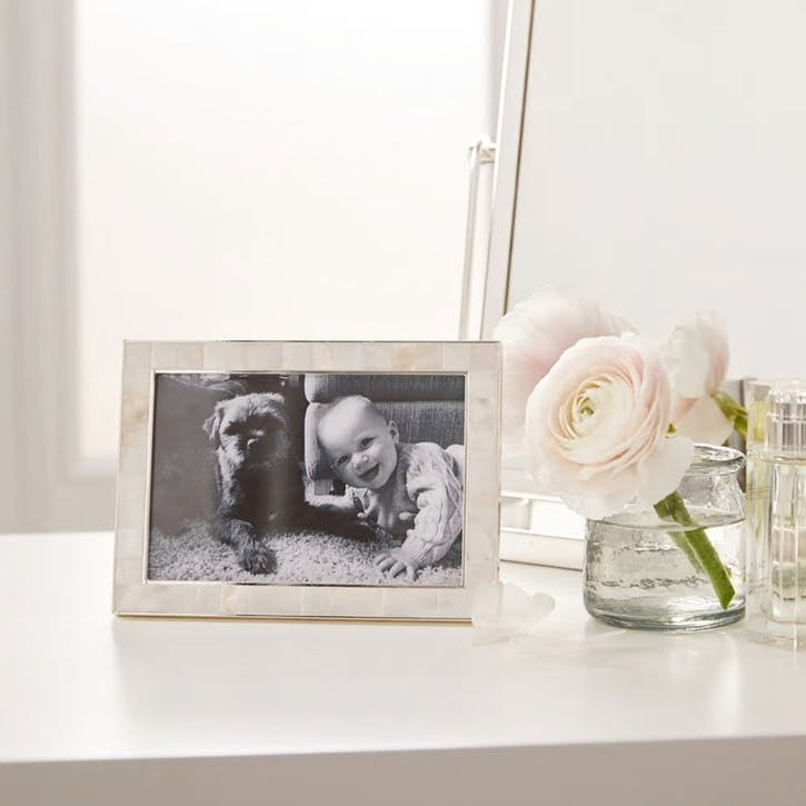 "Mother Of Pearl Photo Frame 4x6"", White"