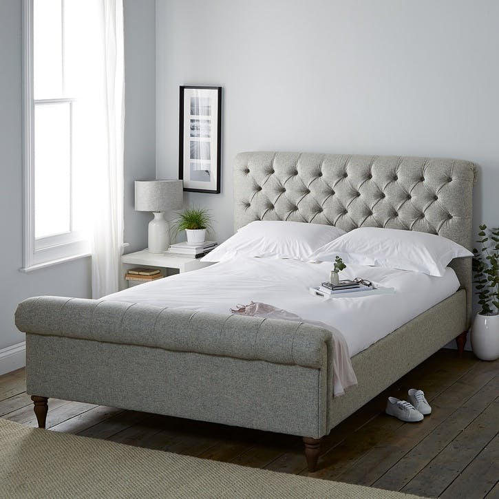 Aldwych Wool Scroll Bed, Double, Light Grey