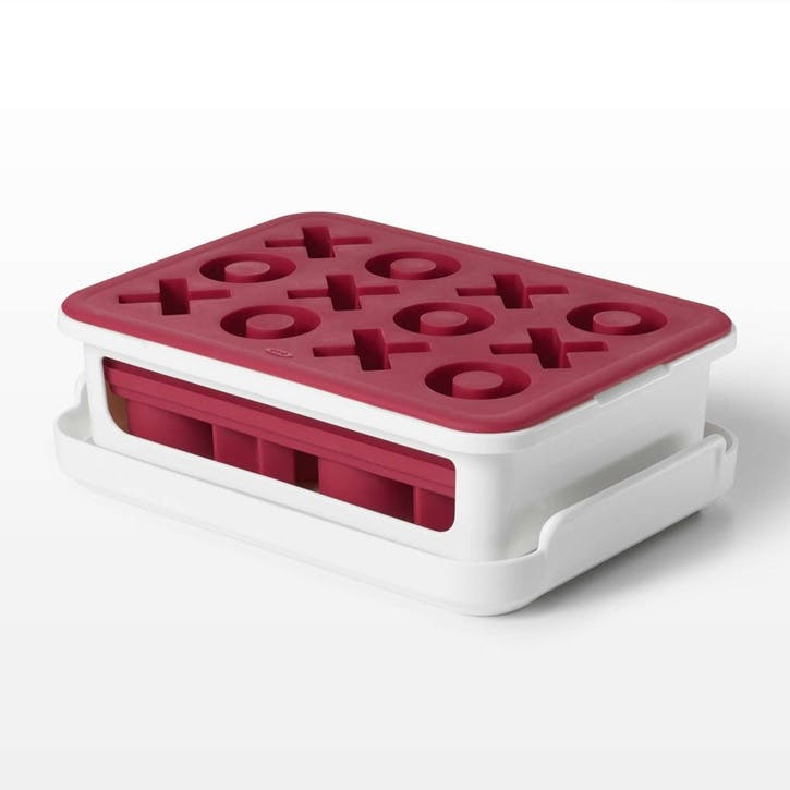 Covered Silicone Ice Cube Tray Xs And Os
