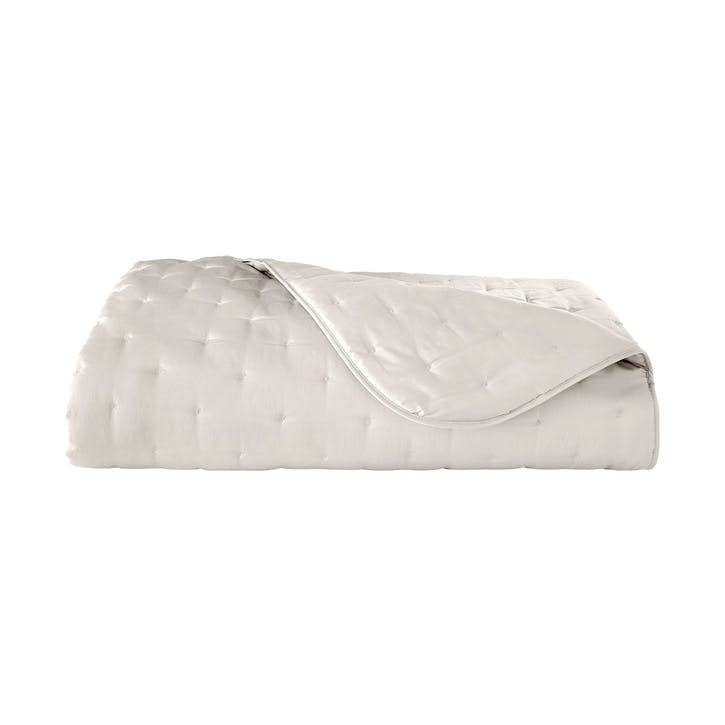 Triomphe Nacre Quilted Bedspread