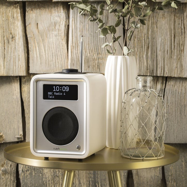 R1 Mk3 Tabletop Radio; White