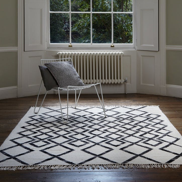 Hackney Diamond Rug - 1.6 x 2.3m; Mono