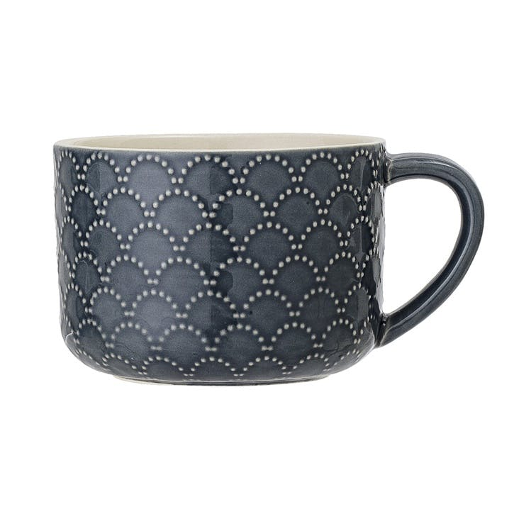 Naomi Scalloped Stoneware Mug
