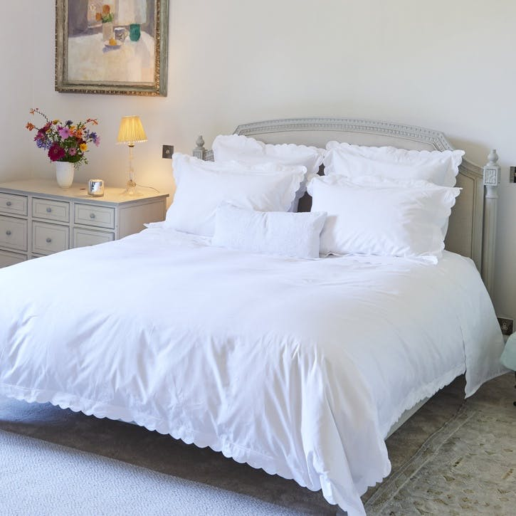 White Scalloped Super King Size Duvet Cover