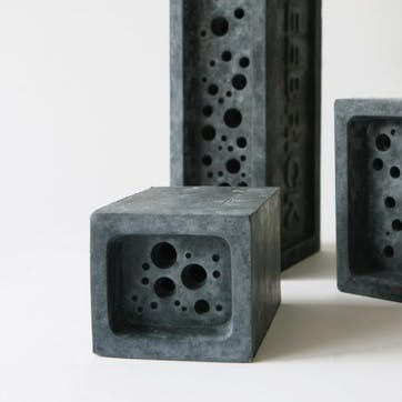 Beeblock - Small; Charcoal