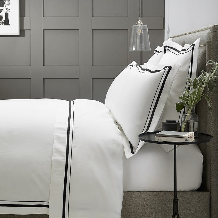 Cavendish Duvet Cover, Super King, White And Black