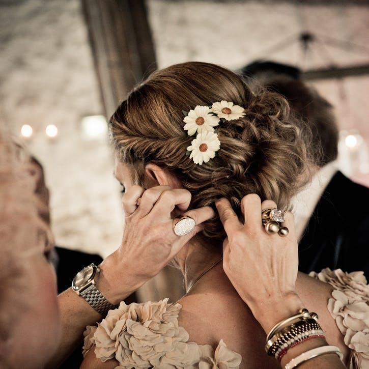 I promise to do the bride's hair on the big day