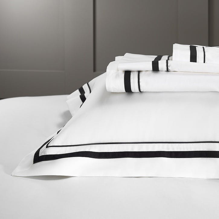 Cavendish Oxford Pillowcase With Border, Standard, White And Black