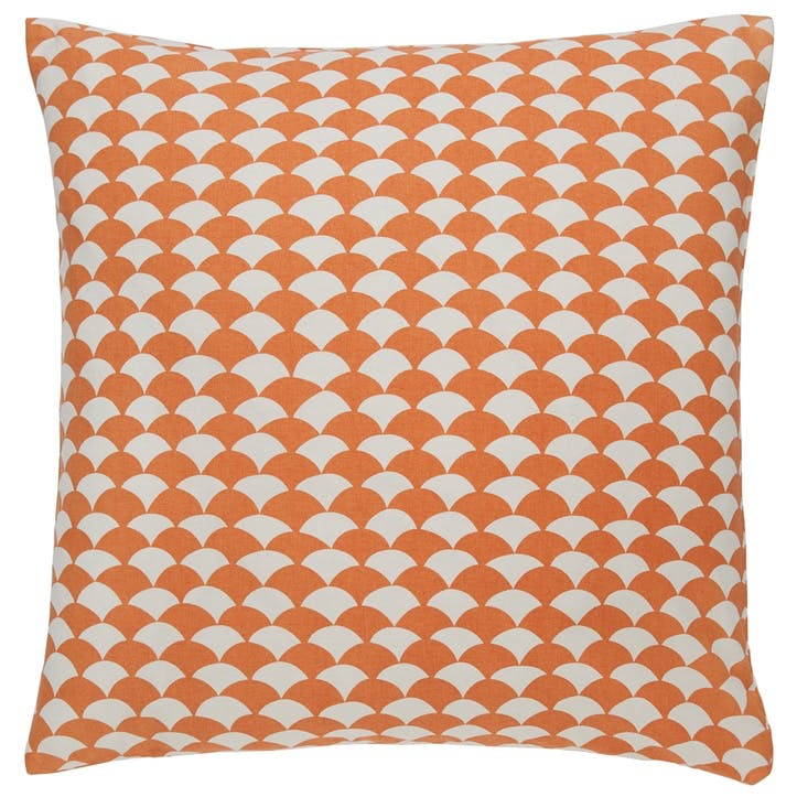Scallop Cushion