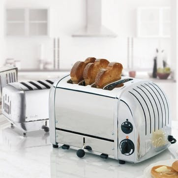 Classic Toaster, 4 Slot; Polished