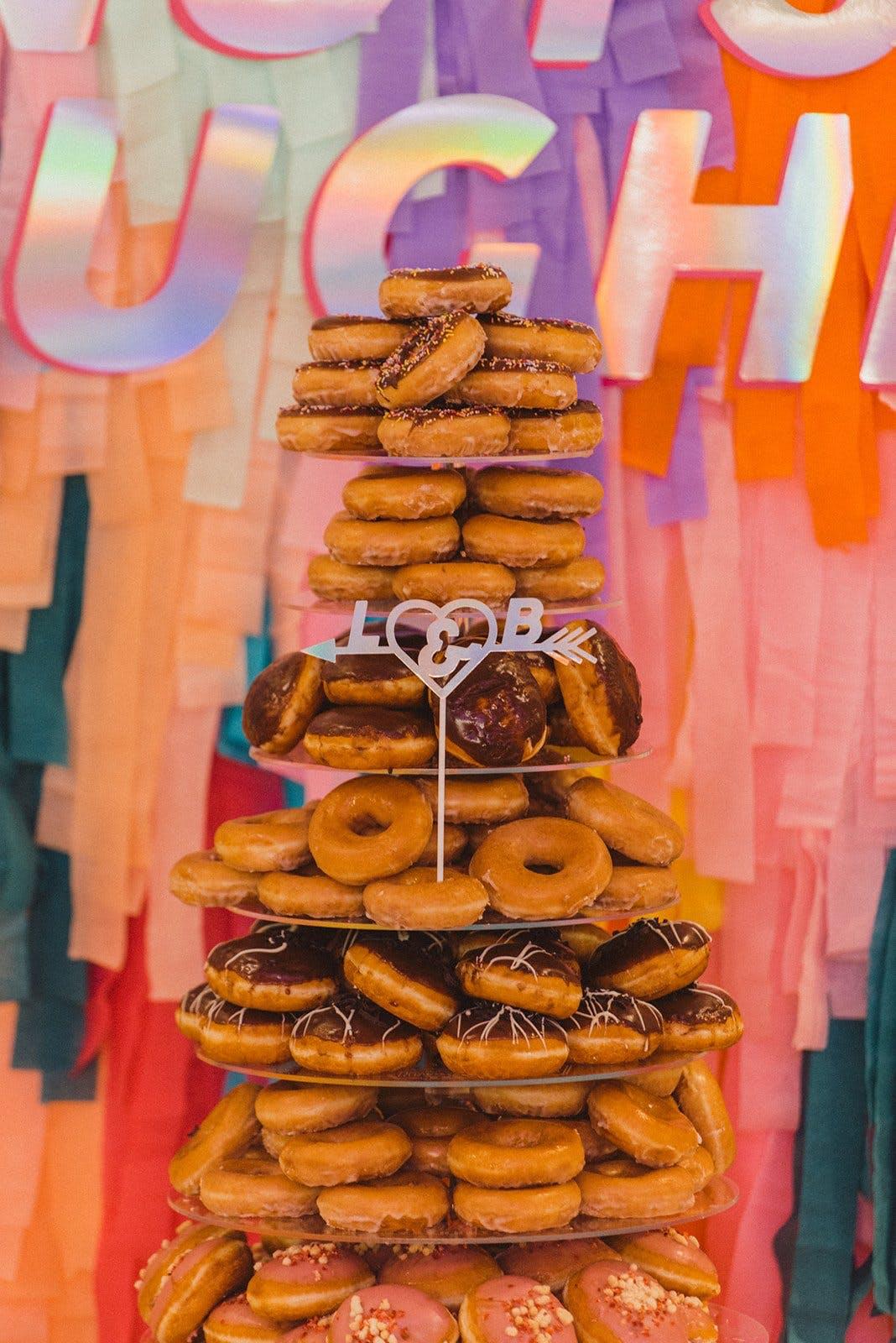 Doughnut cake real couple